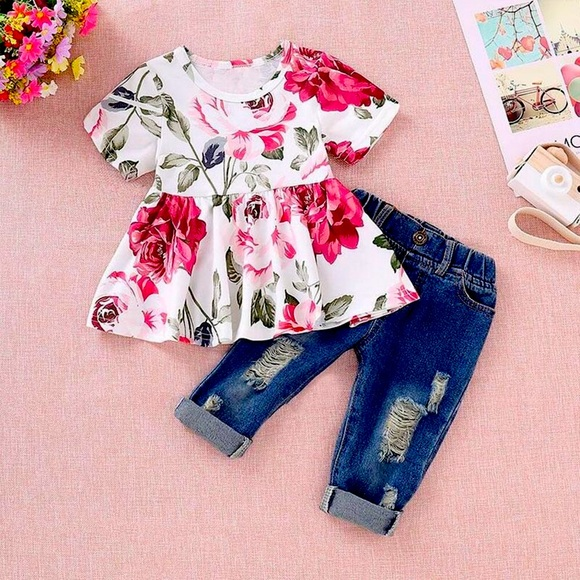 Floral Ruffle Top Distressed Cuffed Jeans 2 PC Set